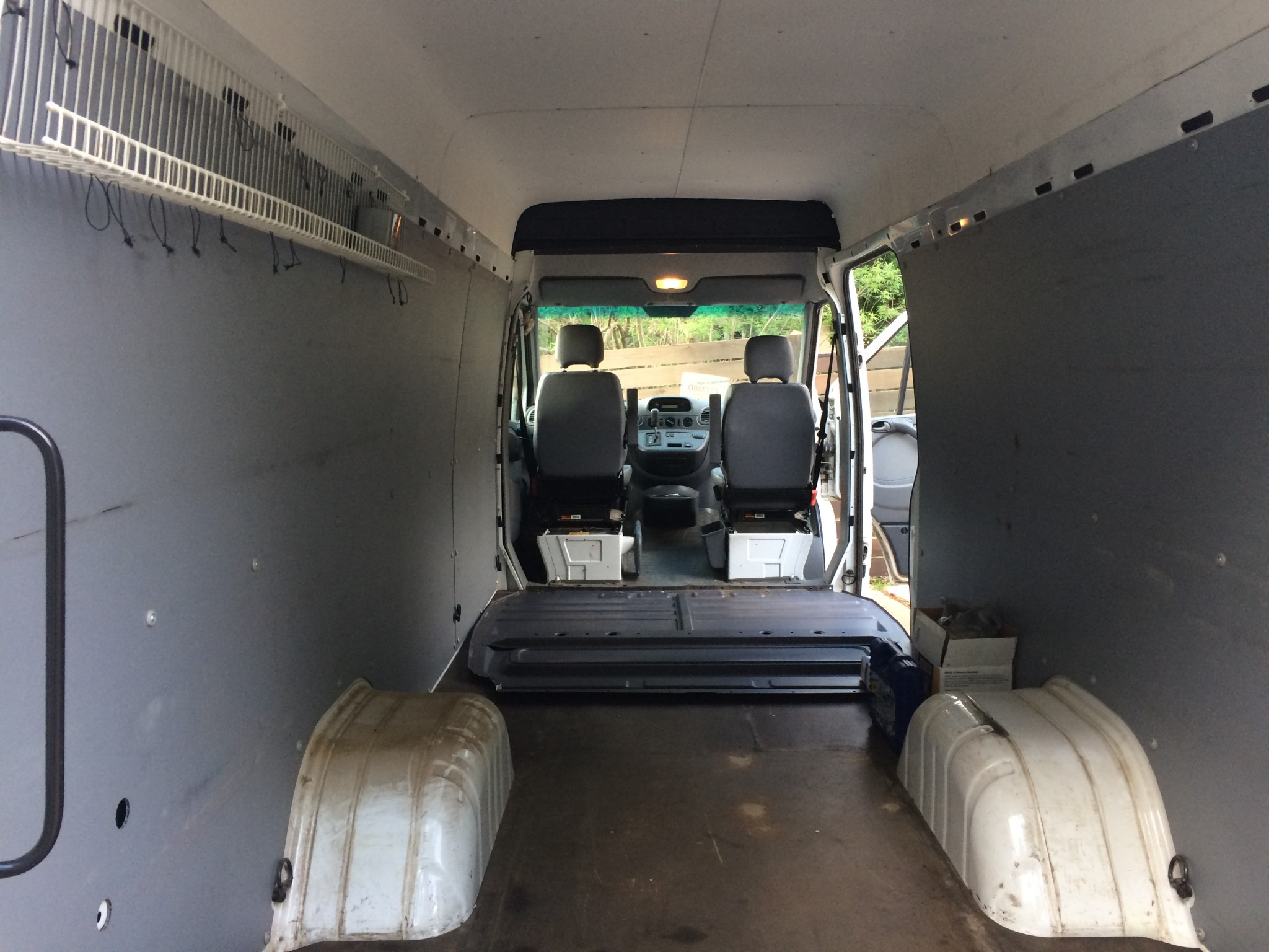 Sprinter Van without bulkhead divider