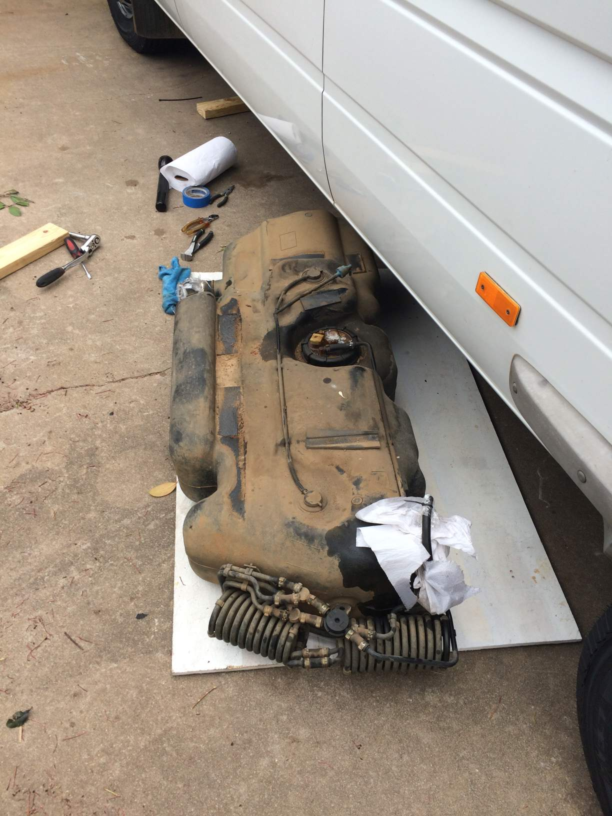 Dropping the fuel tank on a T1N Sprinter Sprinter Camper